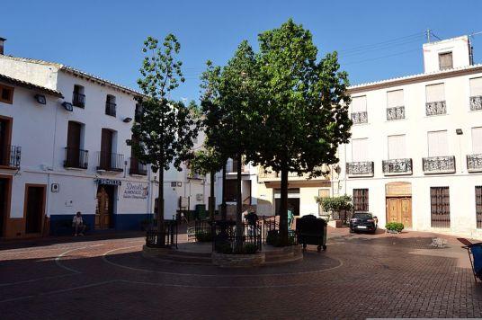 Plaça_del_Poble,_Parcent