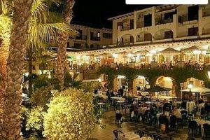villamartin-plaza-by-night