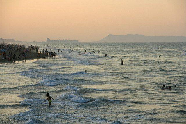 Silencia Beach, bigger