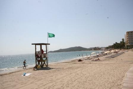 beach-at-Playa-d'en-Bossa