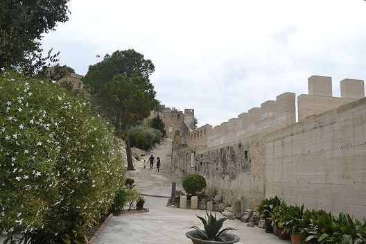 castillo_de_jativa_interior_del_castillo_menor_01