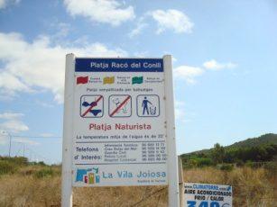 Raco del Conill naturalist beach