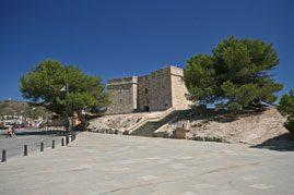 8-castle