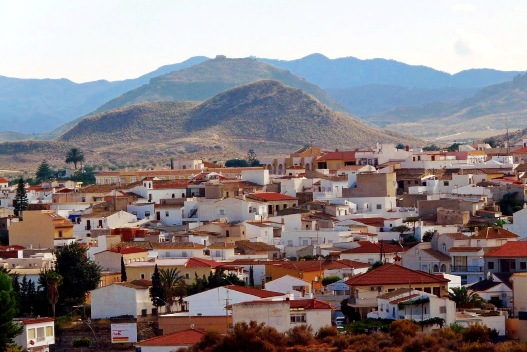 antas-town-with-mountains