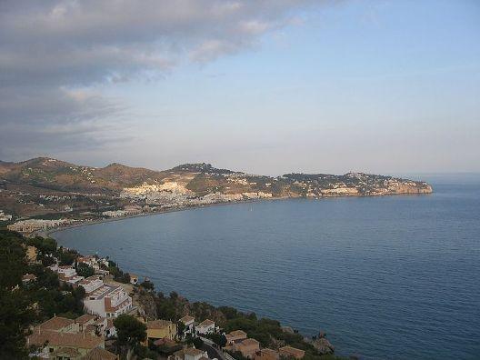 bahi_de_la_herradura_desde_cerro_gordo_-_panoramio