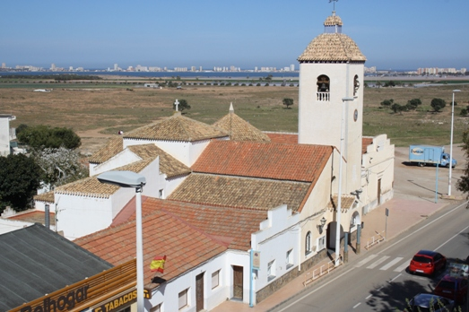 church-in-los-belones-with-a-view-of-mar-menor