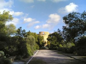 Torre_de_Sa_Porrassa_(Calvià),_Mallorca,_Balearic_Islands,_December_2009