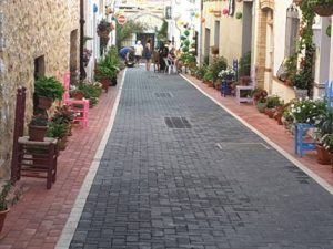 One of the many attractive streets in Lliber.