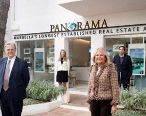 Panorama staff