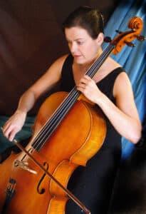 Emma-Batley-cellist_w